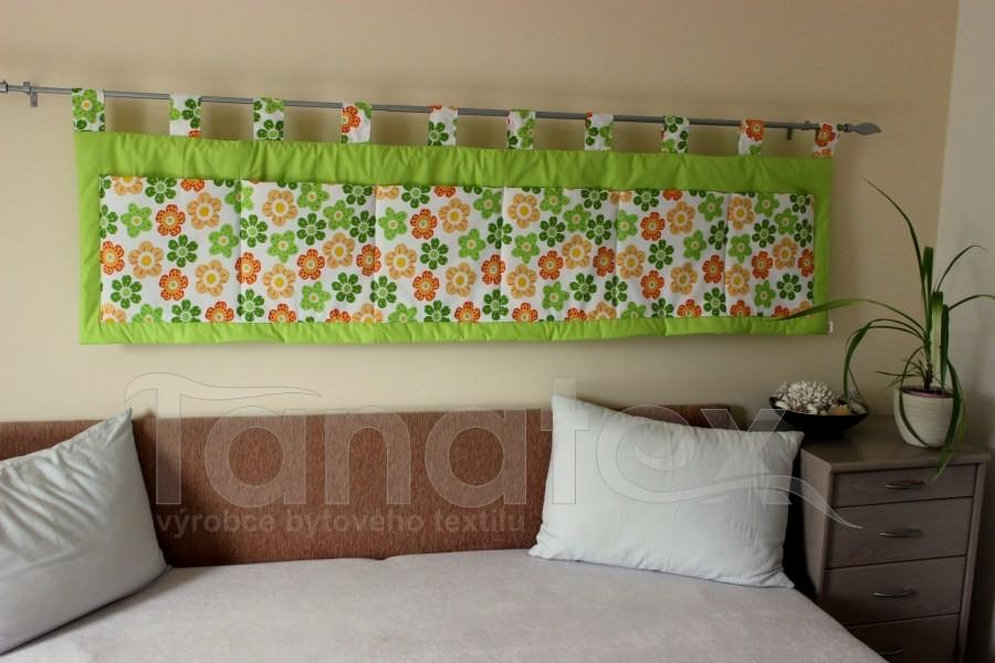 Kapsář - Zelené a žlutooranžové kytičky na zelené